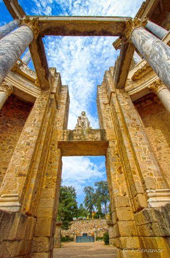 Pórtico teatro romano