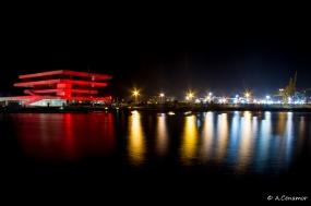Veles y Vents en el Port America's Cup Red II