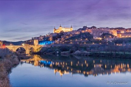 Alcantara bridge and Alcazar in blue hour