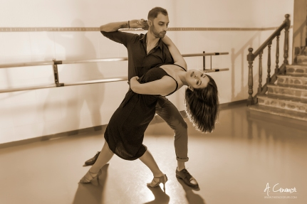 Luis Pascual & Lola Pizarro dancing I
